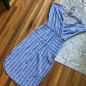 Universal thread blue and white midi dress EUC